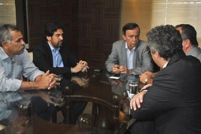 Reunião Mesa Diretora com representante da Fundação Getúlio Vargas (2).jpg