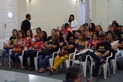 Audiência com servidores da Previdência Social (4).JPG