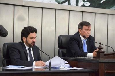 Mesa diretora foi composta por Isnaldo Bulhões e Luiz Dantas.JPG