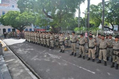Revista às tropas na abertura dos trabalhos da Assembleia 1.jpg