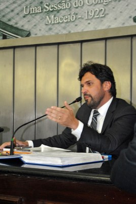 Deputado Isnaldo Bulhões durante sessão nesta quarta-feira, 11.jpg