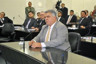 Deputado João Beltrão durante sessão extraordinária.jpg