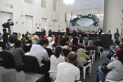 Plenário da Assembleia durante sessão especial (1).jpg