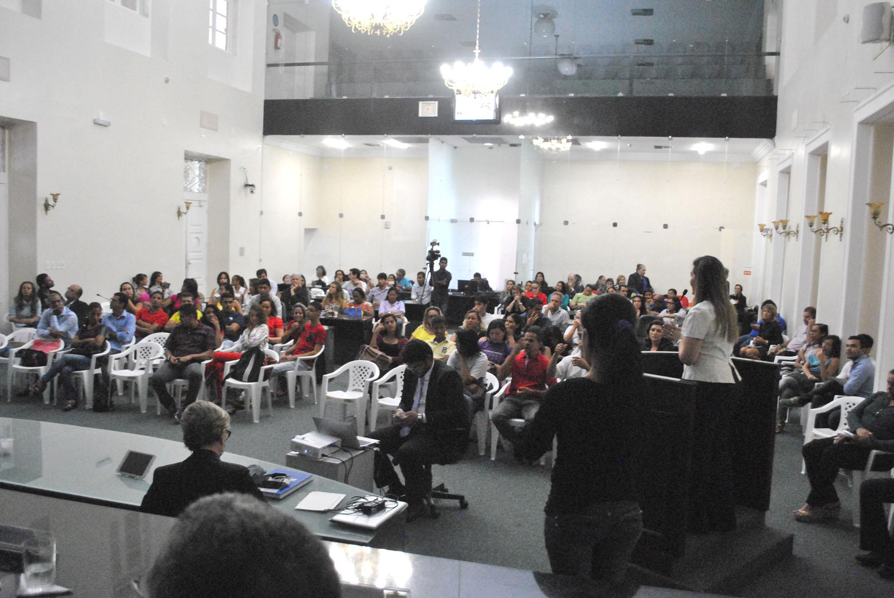 Plenário da Assembleia durante sessão especial (4).jpg