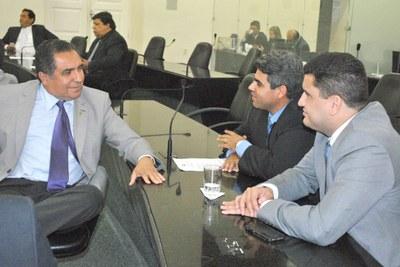 Deputados Inácio Loiola, Carimbão Jr e Marquinhos Madeira.JPG