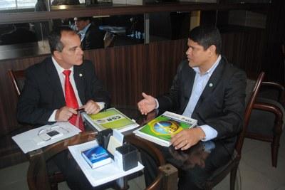 Reunião deputado Ronaldo Medeiros com representante da Central Sindical Brasileira_25-03-2015_VF.jpg
