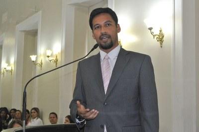 Deputado Rodrigo Cunha (PSDB) durante sessão especial em comemoração ao Dia Internacional da Mulher.jpg