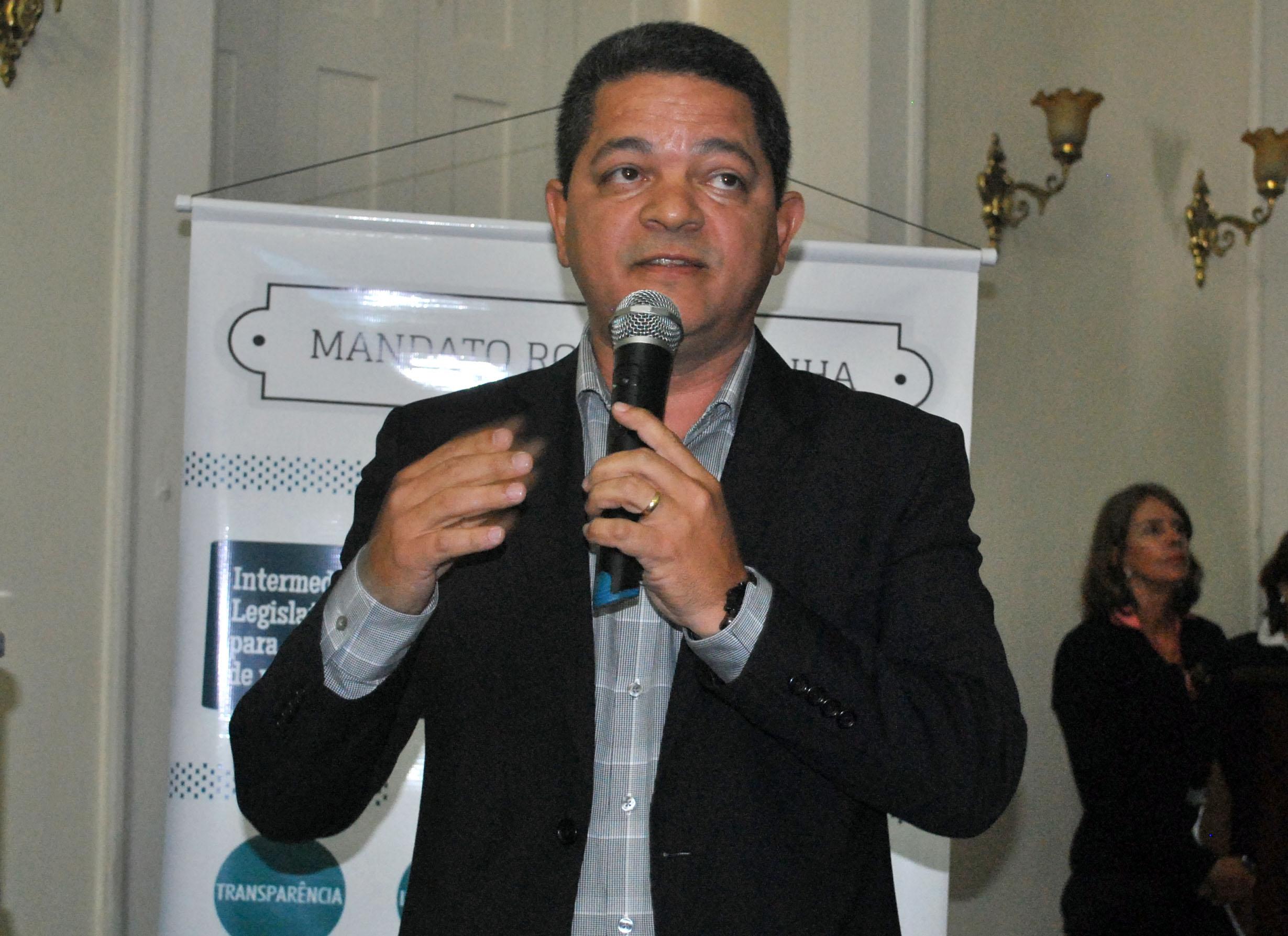 Eng. Civil Alex Gama durante sessão especial em homenagem ao Dia Internacional do Consumidor 3.jpg