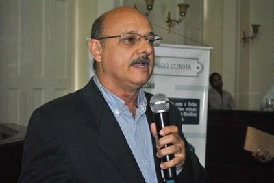 Prof. José Vicente Ferreira durante sessão especial em homenagem ao Dia Internacional do Consumidor 4.jpg