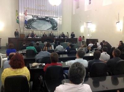 Plenário da Assembleia durante sessão especial para discutir o projeto da LOA 3.jpg