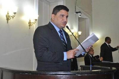 Deputado Marquinhos Madeira durante sessão ordinária.jpg