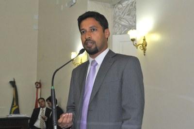 Deputado Rodrigo Cunha durante sessão ordinária.jpg