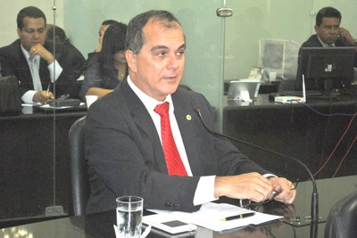 Deputado Ronaldo Medeiros em sessão ordinária.JPG
