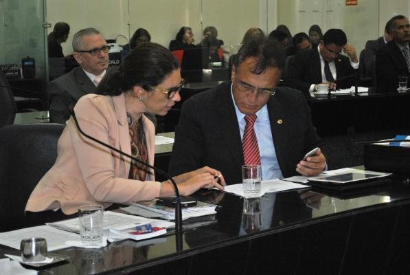 Deputada Jó Pereira e deputado Galba Novaes.jpg
