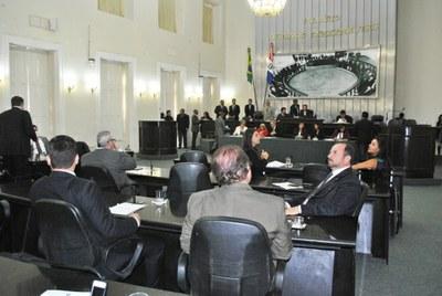 Plenário durante sessão ordinária.jpg