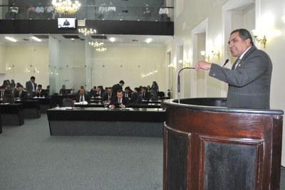 Deputado Inácio Loiola na sessão plenária.JPG