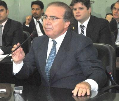 Deputado Olavo Calheiros na sessão plenária.JPG