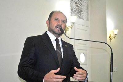 Deputado Antonio Albuquerque fala sobre Divaldo Suruagy.JPG