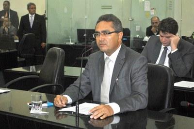 Francisco Tenório na sessão plenária.JPG