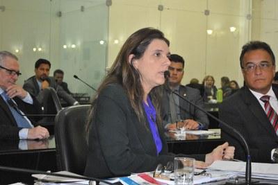 Deputada Jó Pereira durante sessão ordinária.jpg