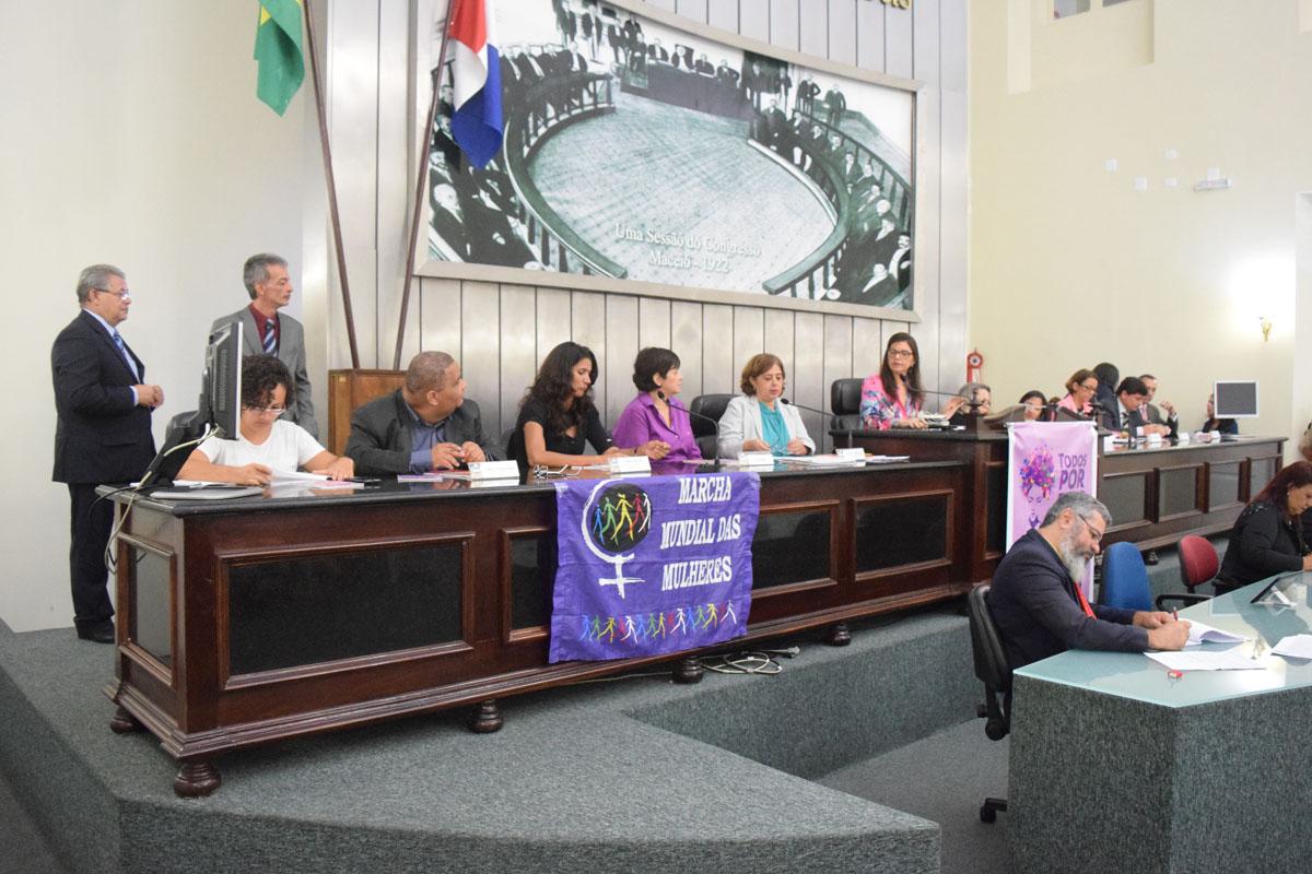 Audiência pública debate Mapa da Violência Contra a Mulher (7).jpg