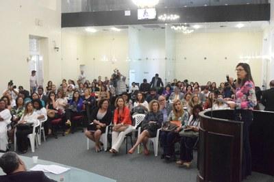 Deputada Jó Pereira preside audiência pública.jpg