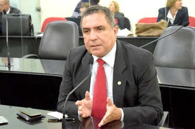 Deputado Inácio Loiola em pedido de aparte.JPG