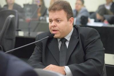 Deputado Léo Loureiro em pedidode aparte.JPG