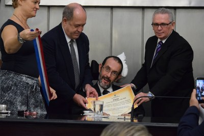 Assembleia homenageia jornalista Carlos Miranda com a Comenda Tobias Granja 3.jpg