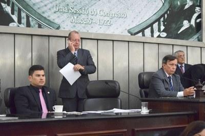 Mesa diretoria foi composta pelo deputado Jairzinho Lira e o presidente Luiz Dantas.JPG