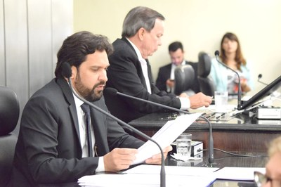 Isnaldo Bulhões e Luiz Dantas conduziram a sessão.JPG