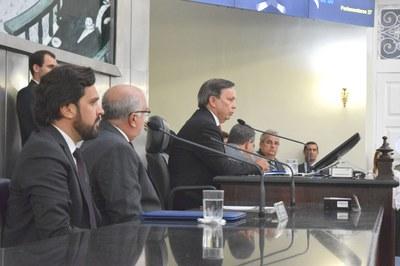 Mesa diretora foi formada por autoridades.JPG
