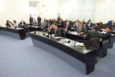 Sessão plenária teve quórum quase cheio .JPG