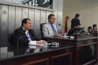 Deputados Francisco Tenório e Dudu Hollanda conduziram a sessão desta quarta-feira.JPG