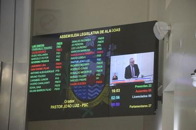 Painel contabiliza 22 parlamentares.JPG