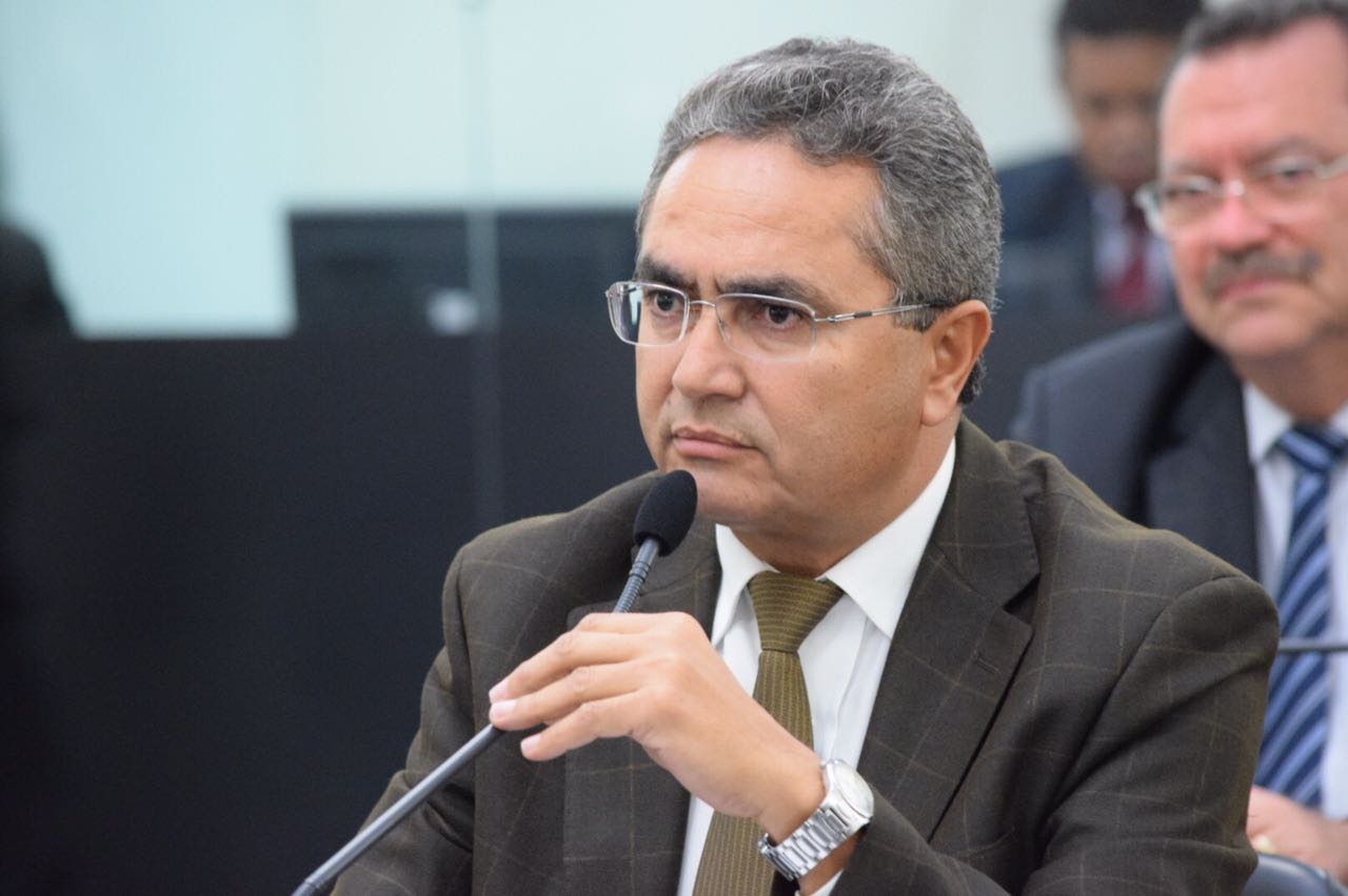 Deputado Francisco Tenório.jpeg