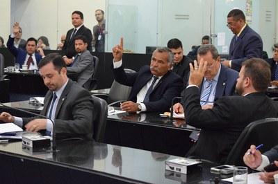 Sessão contou com a presença de 15 parlamentares.JPG