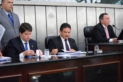 Mesa Diretora foi formada pelos deputados Davi Davino, Marcelo Victor e Luis Dantas.JPG
