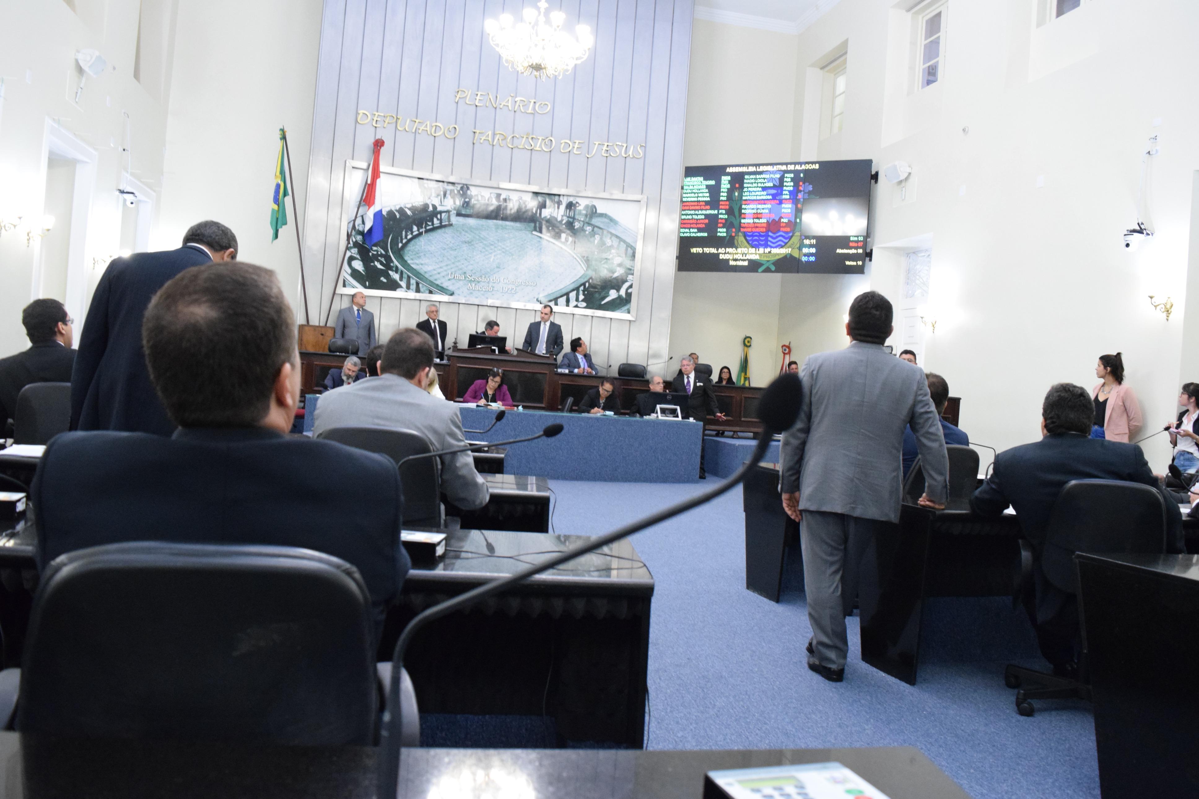 Deputados votam vetos governamental.JPG