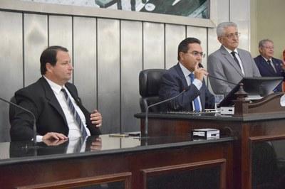 Mesa Diretora composta pelos deputados Dudu Hollanda e Francisco Tenório.JPG