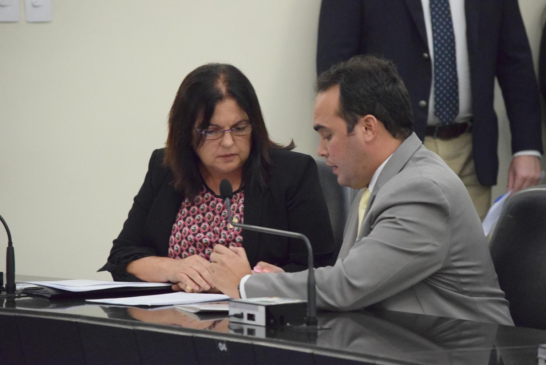 Deputados Fátima Canuto e Davi Maia.JPG