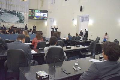 Sessão contou com a presença de 20 parlamentares.JPG