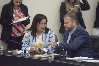 Deputados Leo Loureiro e Fátima Canuto.JPG