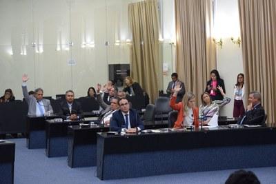 Deputados no plenário.JPG