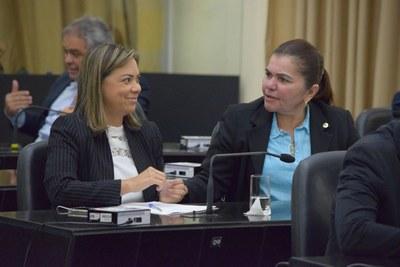 Deputadas Flávia e Angela.JPG
