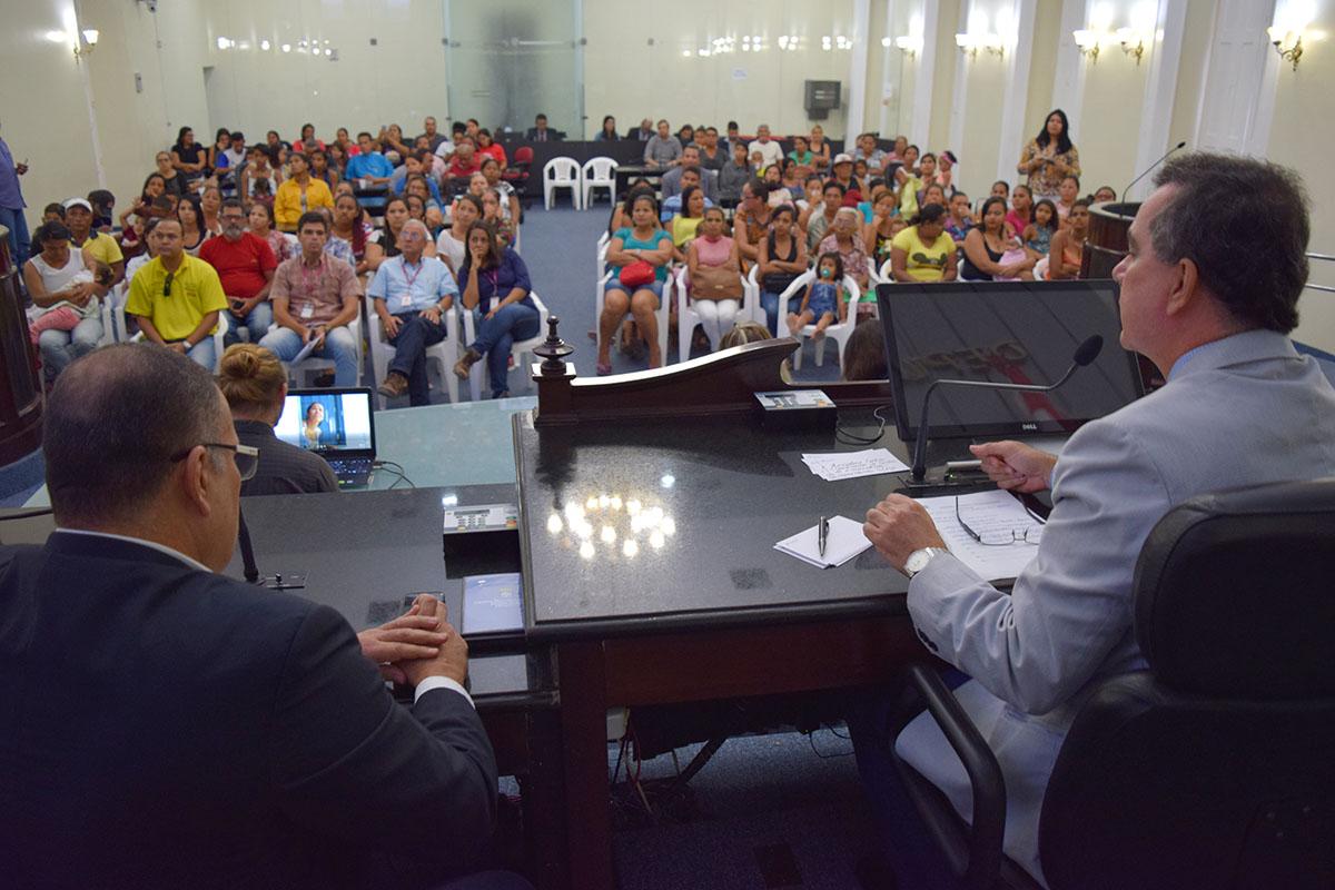 Assembleia discute com a comunidade a situação das grotas da capital