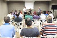 Associação de taxistas promove encontro para discutir projeto de lei apresentado por Galba Novaes