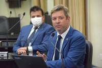 Cabo Bebeto faz críticas ao projeto do Governo que torna obrigatório o uso de máscara