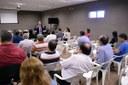 Chanceler português ministra palestra sobre curso de pós-graduação