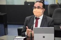 Davi Maia apresenta requerimento de convocação do secretário Ênio Lins